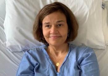 Rodrigues, segundo a assessoria de imprensa, está consciente e qualquer possibilidade de ela estar com um quadro de coronavírus já foi descartada