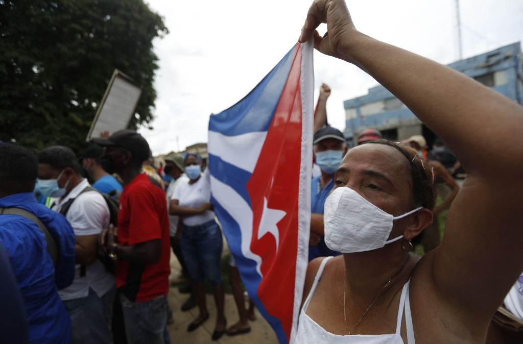 Apoiadores do governo cubano também foram às ruas após protesto antagonista