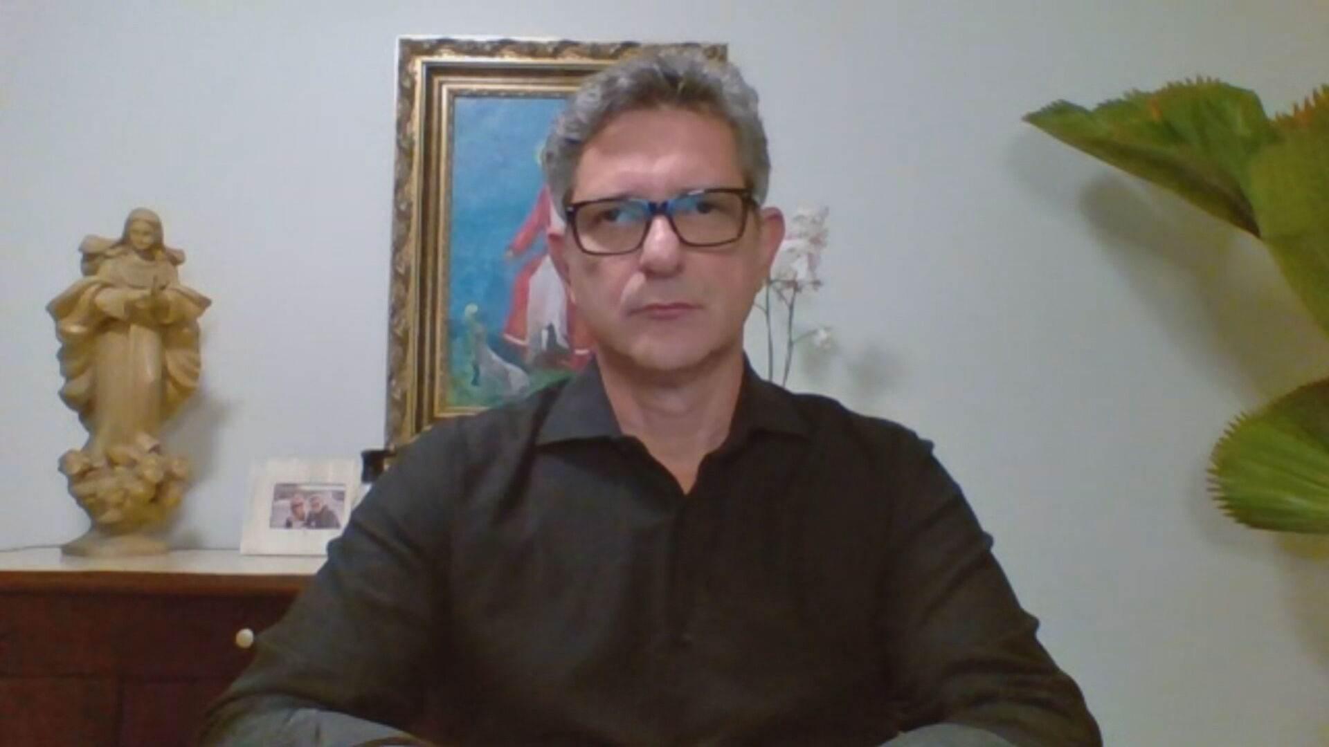 O senador suplente da CPI da Pandemia Rogério Carvalho em entrevista à CNN
