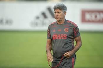 Após três passagens como jogador, realiza o sonho de treinar o Flamengo