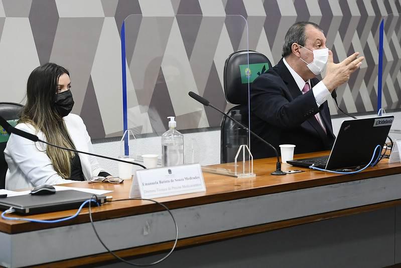 Diretora técnica da Precisa Medicamentos e presidente da CPI