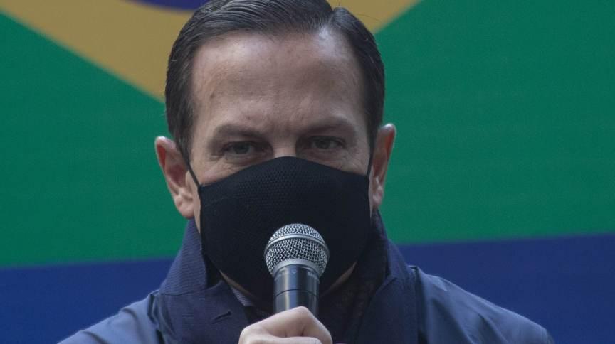 Governador de São Paulo, João Doria (PSDB), acompanha a liberação de 800 mil doses da Coronavac para o Programa Nacional de Imunização (PNI), na sede do Instituto Butantan