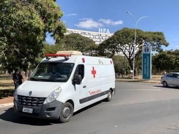 Presidente foi internado nesta quarta-feira (14) no Hospital das Forças Armadas (HFA), em Brasília, após sentir dores abdominais na madrugada