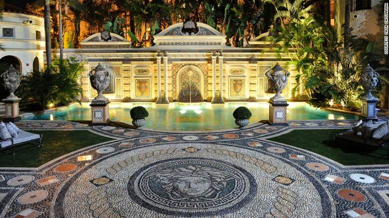 Antiga mansão do estilista italiano Gianni Versace, em Miami Beach