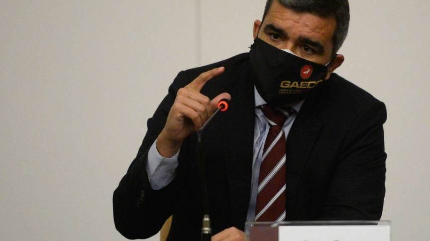 A coordenação da investigação estará a cargo de Bruno Gangoni, coordenador do Grupo de Atuação Especial de Combate ao Crime Organizado para o caso Marielle Franco e Anderson Gomes (GAECO/FTMA)
