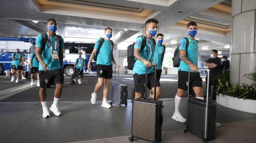 Seleção olímpica masculina desembarca no Japão