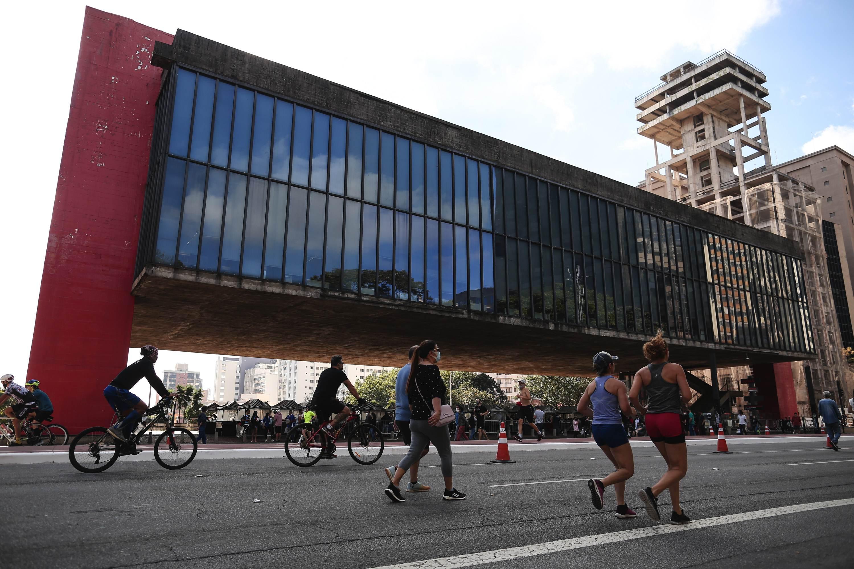 Avenida Paulista é reaberta para lazer