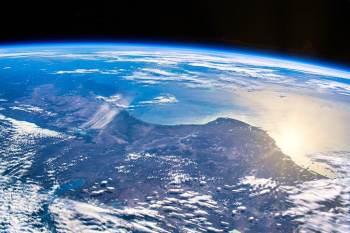A Terra agora está refletindo cerca de meio watt a menos luz por metro quadrado do que há 20 anos, diz pesquisa