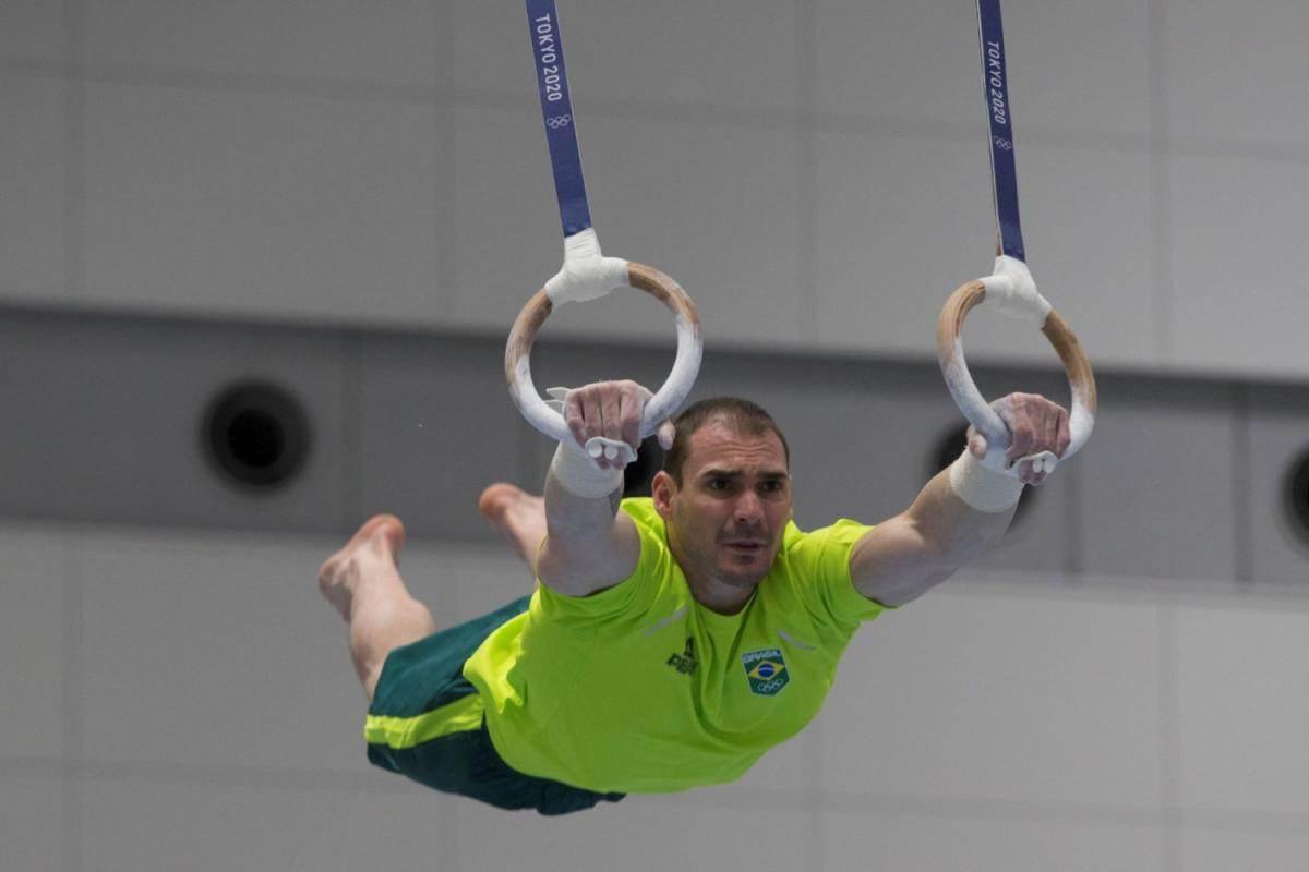 O campeão olímpico Arthur Zanetti