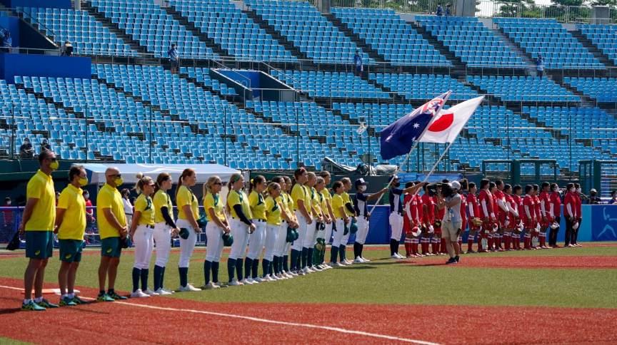 Austrália e Japão fizeram o primeiro confronto desta edição da Olimpíada, na disputa de softbol