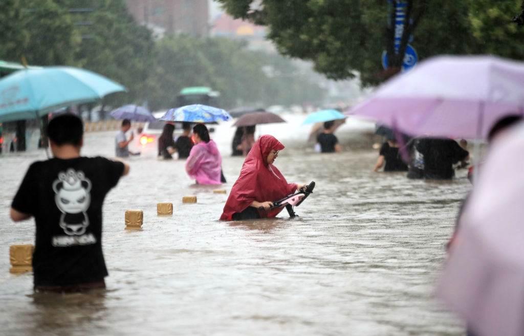 Chuvas provocam alagamentos na China