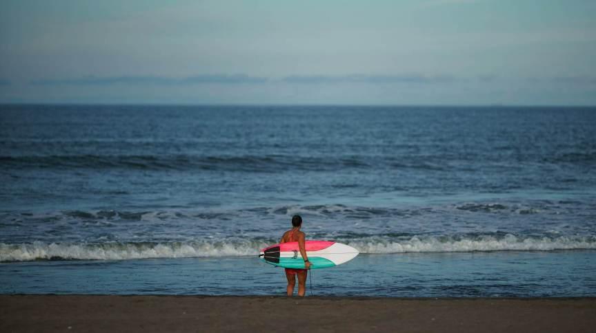 Ondas pequenas em Tóquio preocupam diversos surfistas