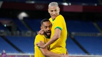 Depois de abrir 3 gols de vantagem, mas permitir reação da equipe europeia, seleção brasileira faz 4 a 2 em 1º jogo nas Olimpíadas de Tóquio