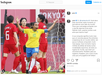 Rei do futebol destaca fato de atacante ter se tornado primeira jogadora a marcar gols em 5 edições dos Jogos Olímpicos: 'muito mais que um recorde pessoal'