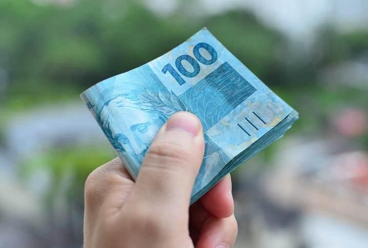 Dinheiro / reais