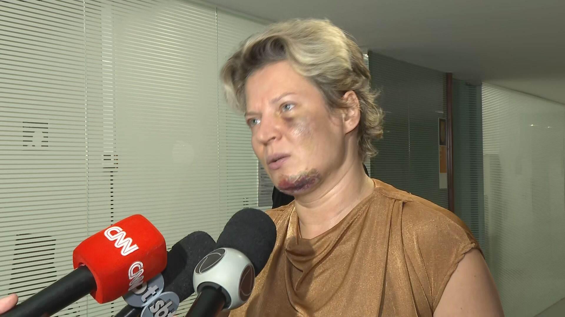 A deputada federal Joice Hasselmann (PSL-SP) conversou com a imprensa