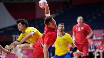Brasil foi ao intervalo vencendo por 13 a 12, mas não resistiu ao maior poderio adversário