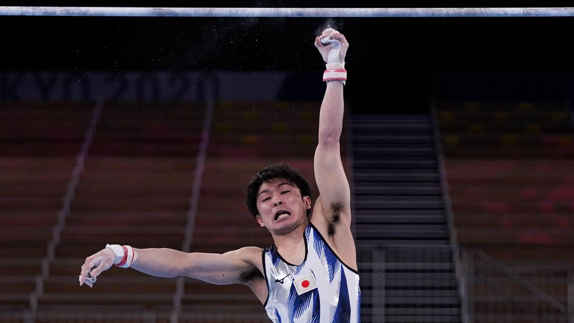 Kohei Uchimura caiu e não chegou às finais neste sábado (24)(24/07/2020)
