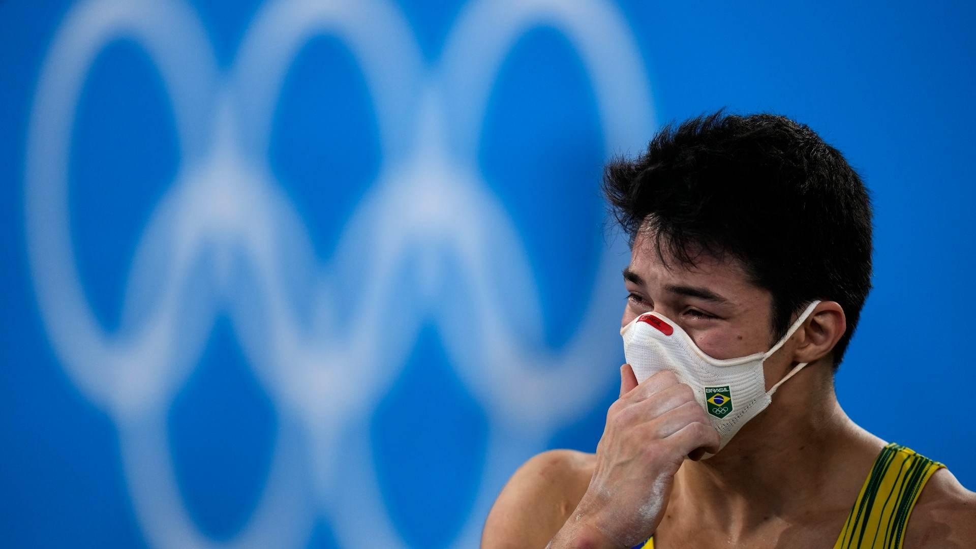 Nori se decepciona com resultado após fim de sua rotação na ginástica artística