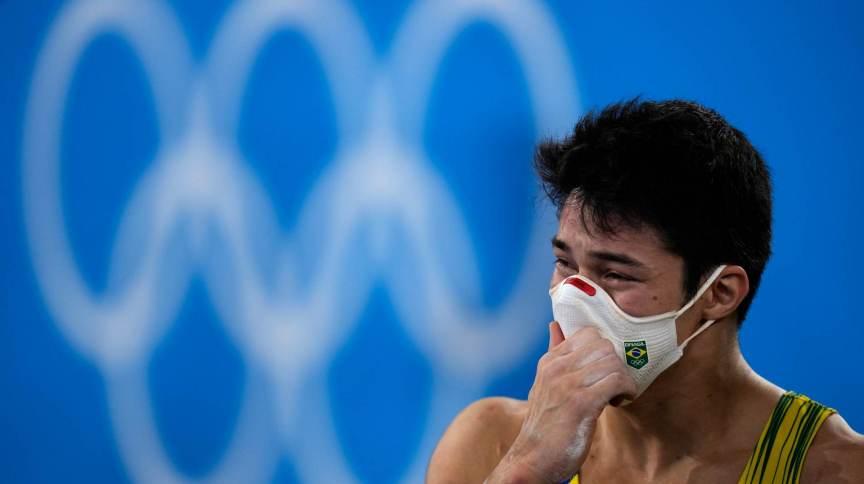 Arthur Nory se decepciona com resultado após fim de sua rotação na ginástica artística masculina