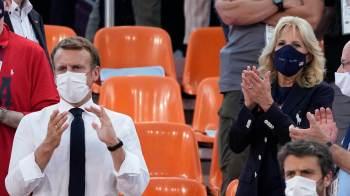 Presidente da França e primeira-dama dos Estados Unidos estão entre os poucos dignitários que compareceram às Olimpíadas de 2020, no Japão