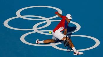 Apesar da temperatura de 33°C e da alta umidade, número 1 do mundo passou com facilidade por Hugo Dellien – 6-2 e 6-2 – e segue em busca do Golden Slam