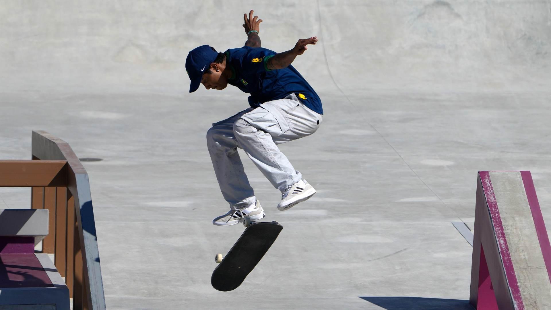 Brasileiro Gustavo Felipe abriu a competição do skate nas Olimpíadas