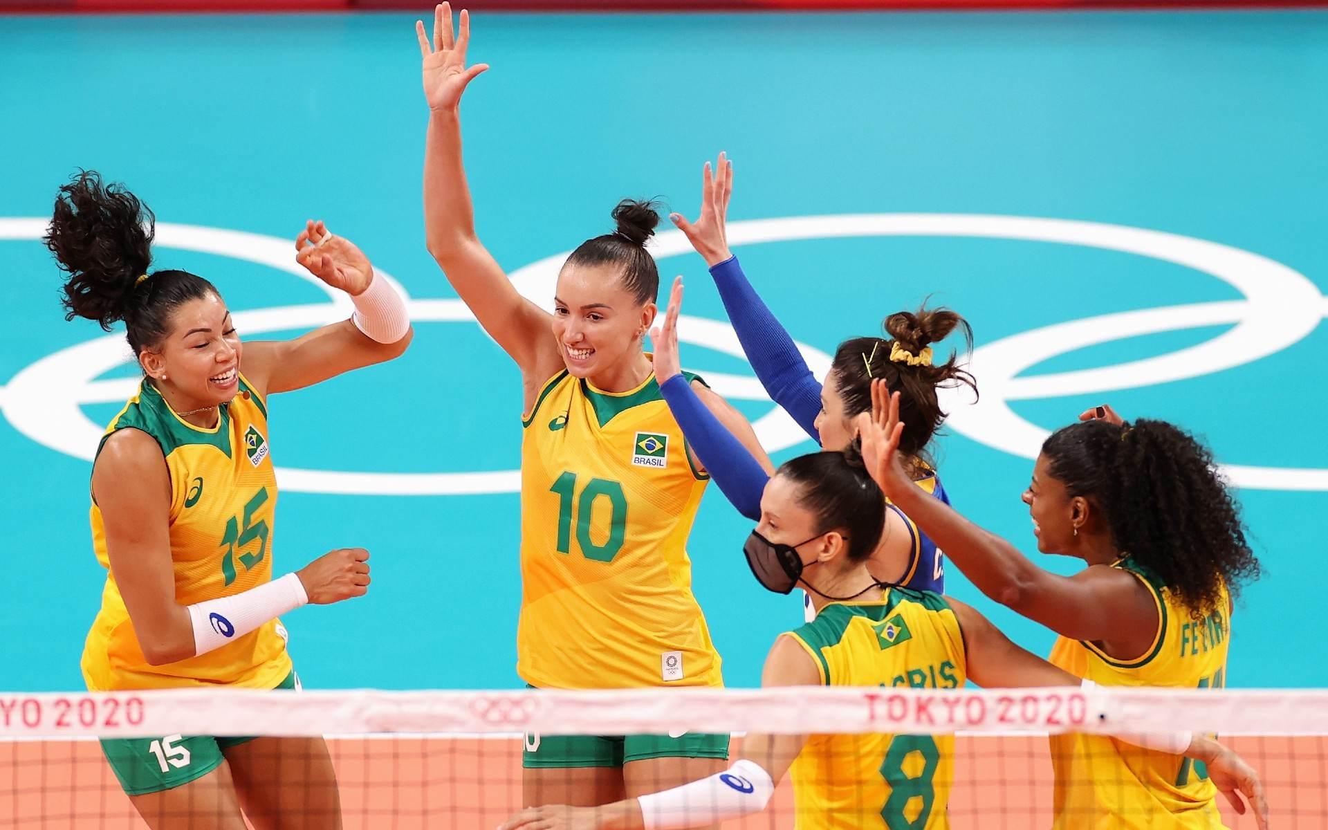 Brasil passou fácil pela Coreia do Sul na estreia do vôlei feminino