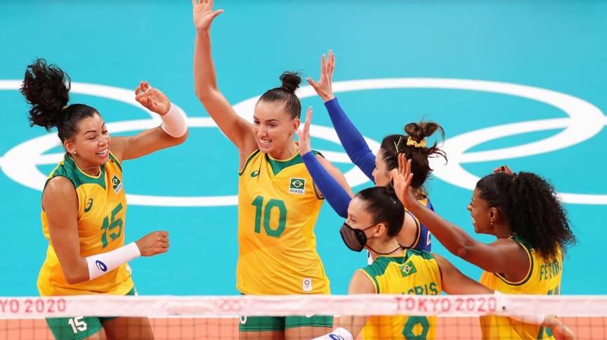 Brasil passou fácil pela Coreia do Sul na estreia do vôlei feminino: 3 sets a 0