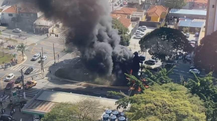 Polícia prende um dos suspeitos de envolvimento no incêndio da escultura do bandeirante Borba Gato (25-07-2021)