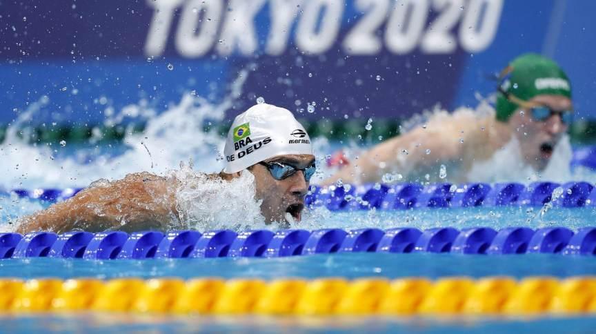 Leonardo de Deus fez seu melhor tempo nos 200m borboleta e foi à semifinal em Tóquio