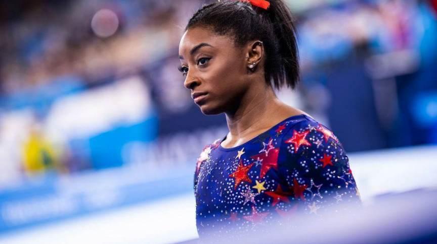 A ginasta americana Simone Biles, favorita ao ouro em todas as categorias de ginástica artística, escolheu deixar de competir no geral por equipes para preservar sua saúde mental