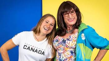 Kimberly Daniels está nas Olimpíadas de Tóquio para julgar a canoagem slalom, modalidade na qual sua filha Haley representa o Canadá