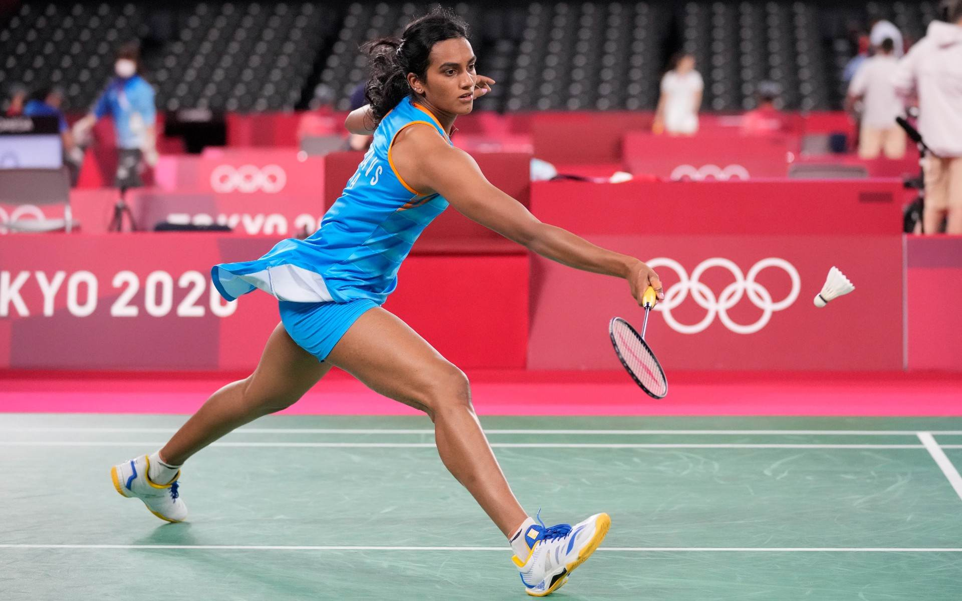 Indiana Pusarla Sindhu opta por competir de vestido e com short no badminton