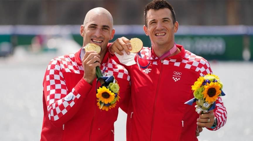 Croatas Martin Sinkovic e Valent Sinkovic conquistaram a medalha de ouro no duplo sem masculino (29/07/2021)