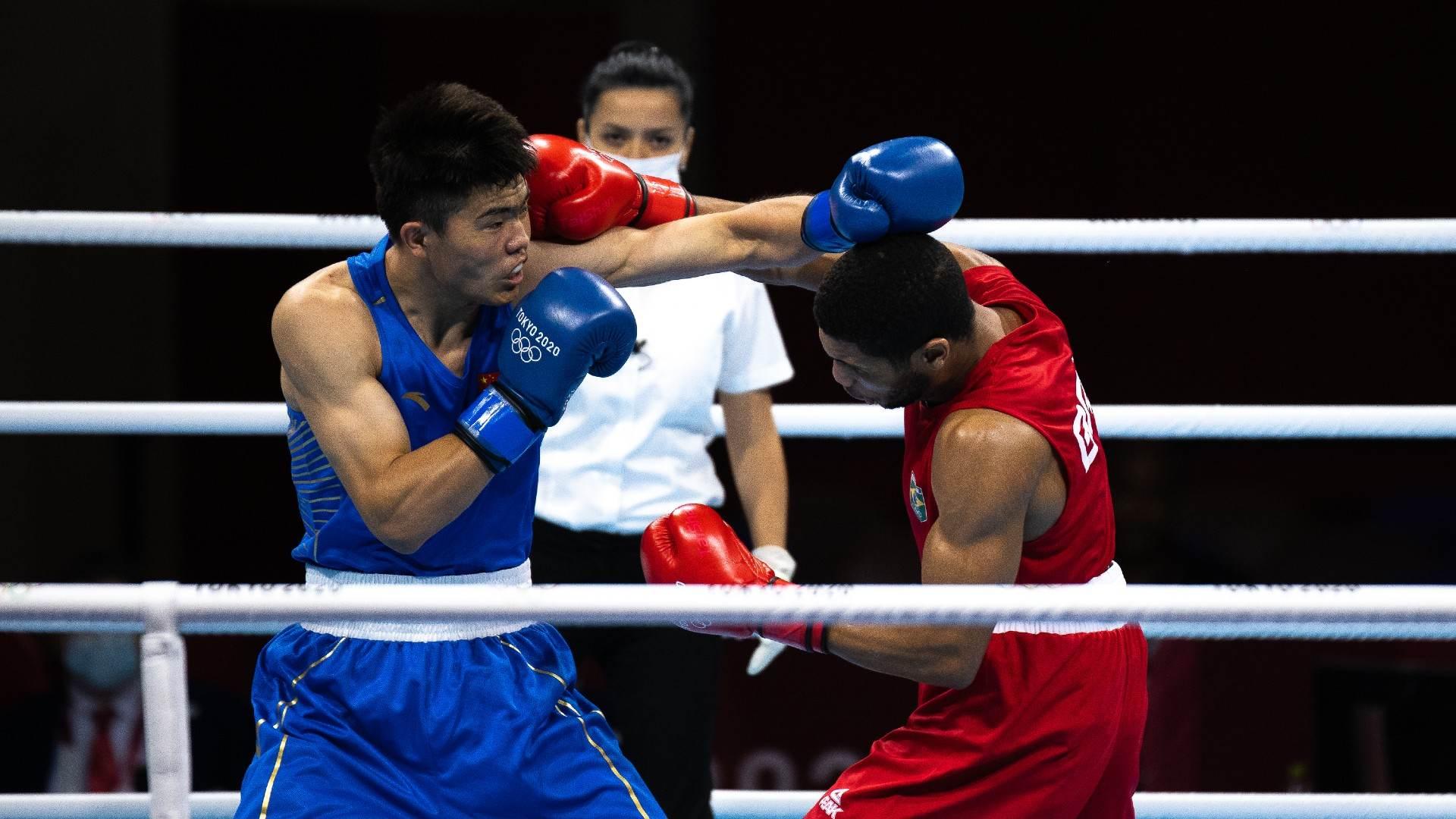 Hebert Sousa, do boxe, venceu luta preliminar contra chinês Erbieke Touheta
