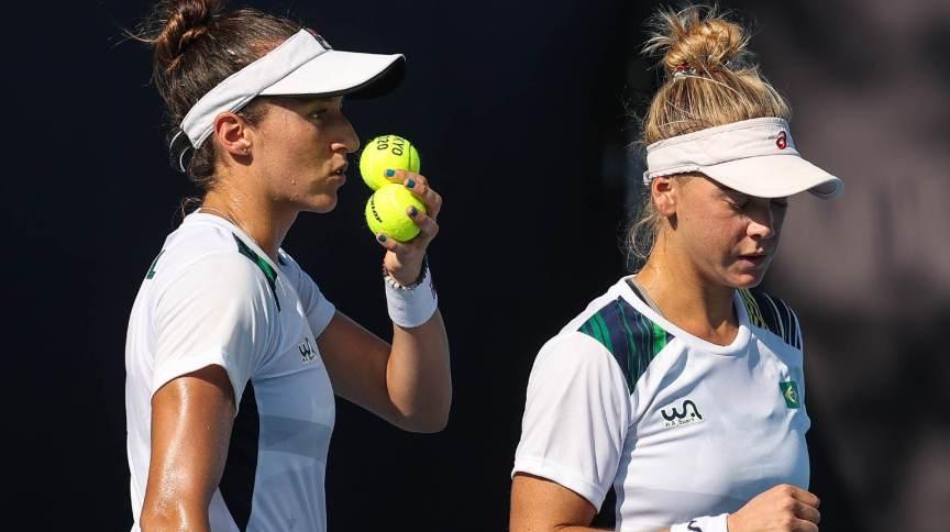 Com derrota na semifinal, Luisa Stefani e Laura Pigossi disputarão bronze no tênis