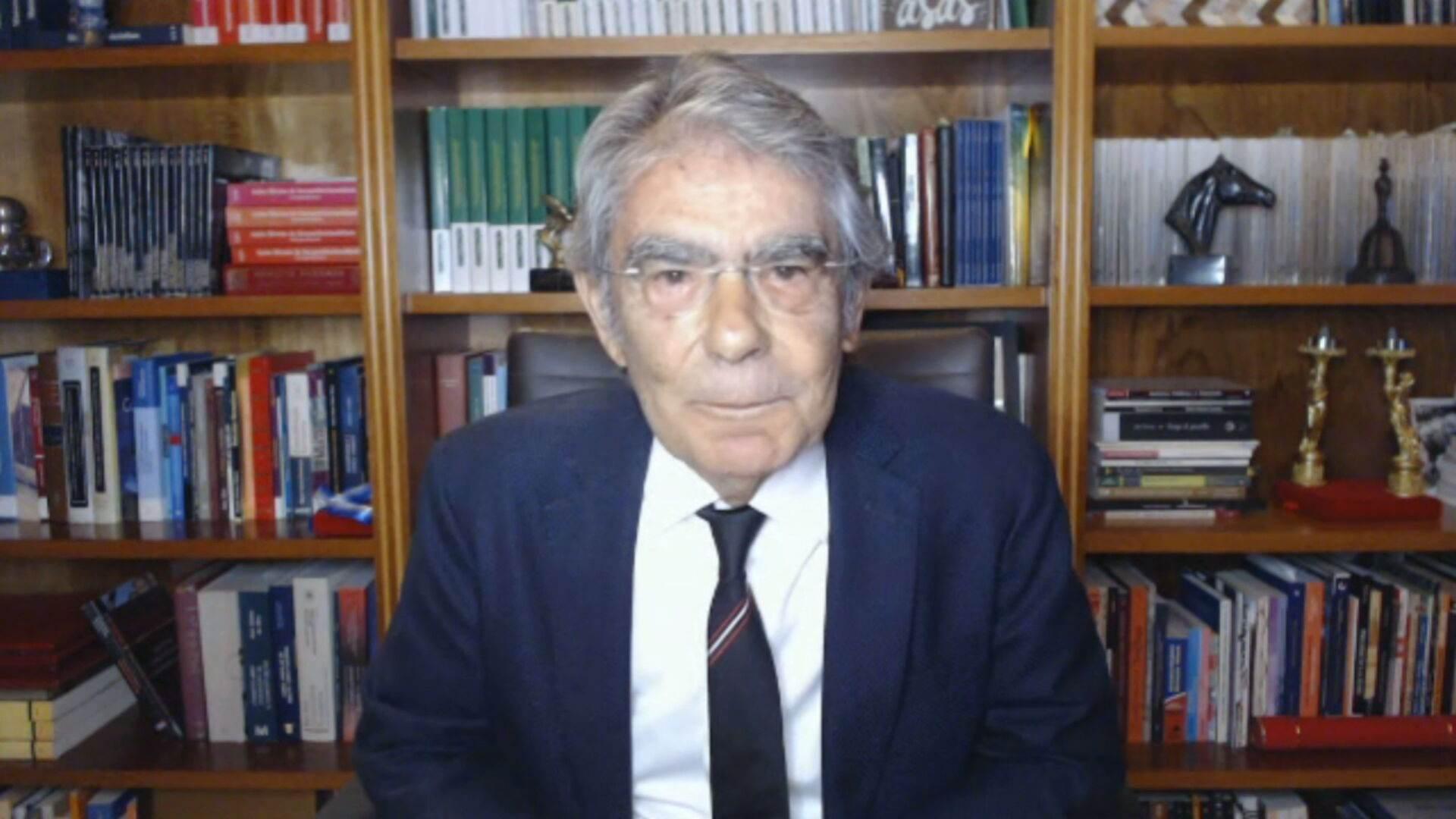 Ex-presidente do TSE Carlos Ayres Britto em entrevista à CNN