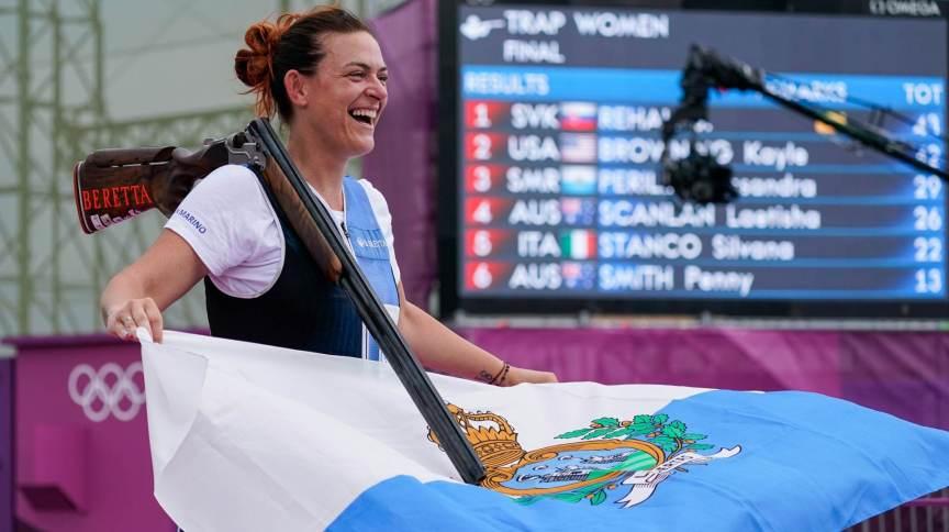 Atiradora Alessandra Perilli é a primeira pessoa de San Marino a conquistar uma medalha olímpica na história