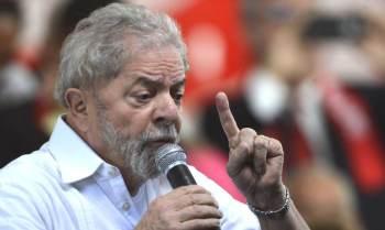 A recomendação tem sido dada por integrantes do Centrão, para os quais o petista deveria fazer um aceno a grupos hoje mais próximos a Bolsonaro