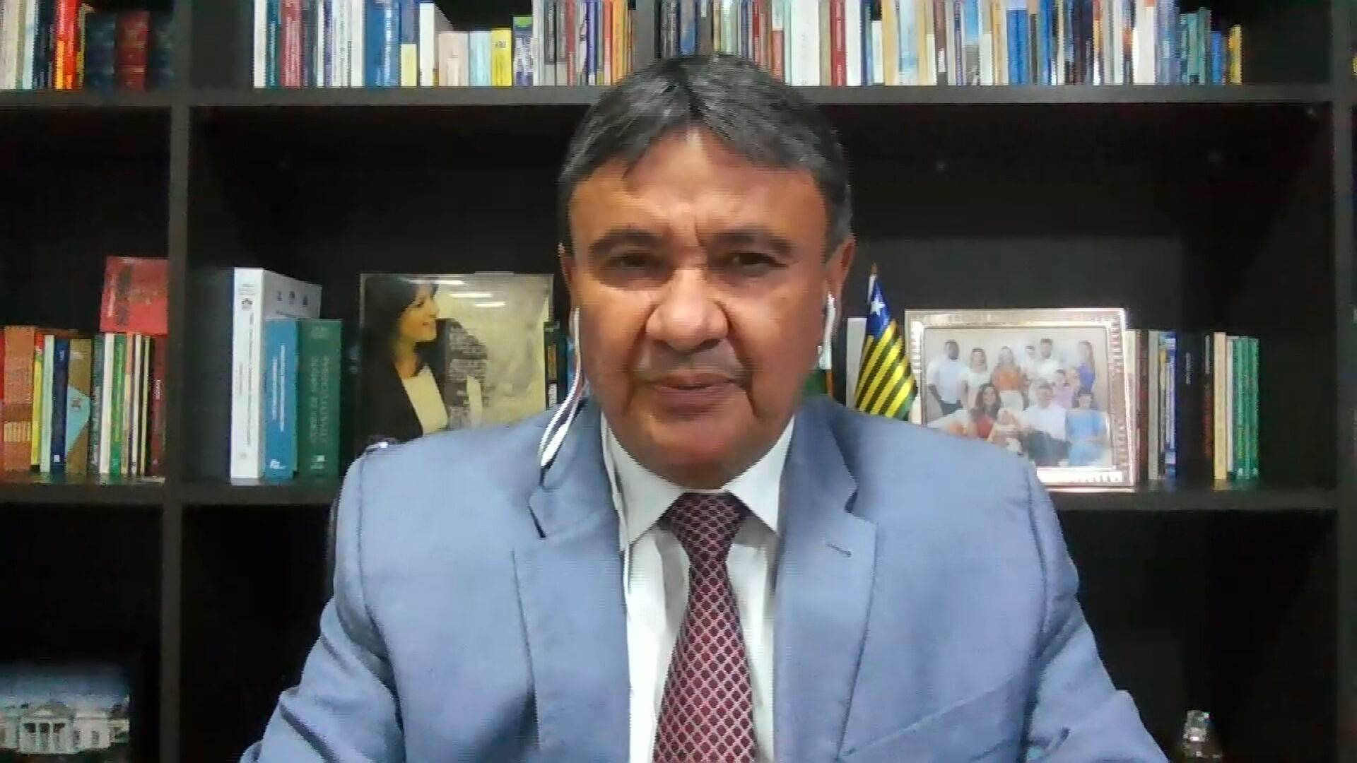 O governador do Piauí, Wellington Dias (PT),em entrevista à CNN