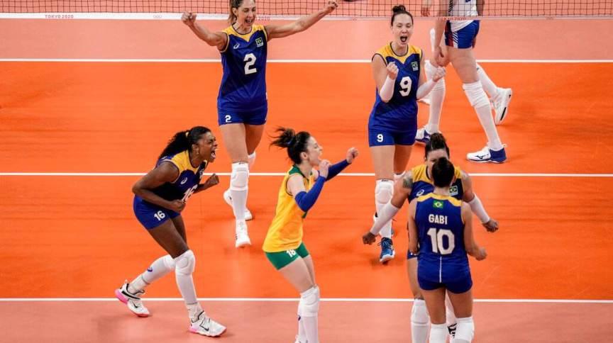 Seleção feminina do Brasil conseguiu grande vitória contra a Sérvia, assumindo a liderança do grupo A