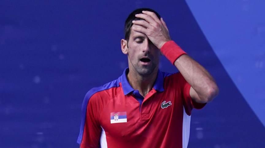 Novak Djokovic durante a derrota para Pablo Carreno Busta na disputa do bronze nas Olimpíadas 2020