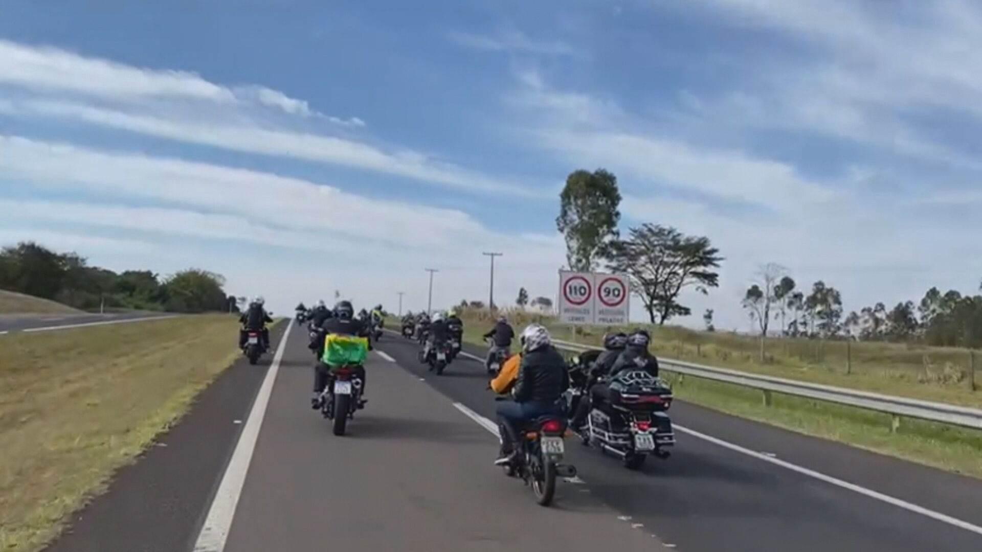 Bolsonaro em passeio de moto em Presidente Prudente (31-07-2021)