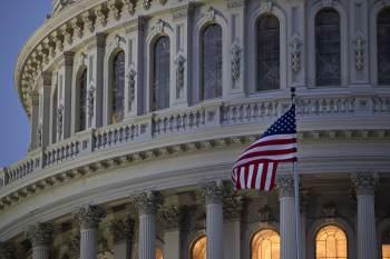 A porta-voz da Casa Branca, Jen Psaki, afirmou que republicanos e democratas devem trabalhar juntos para elevar o teto da dívida