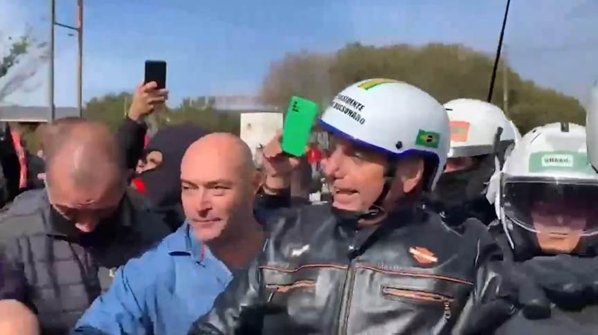 Presidente Jair Bolsonaro (sem partido) promove motociata em Presidente Prudente, interior de São Paulo