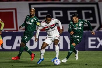 Verdão mantém a ponta da tabela e o tricolor paulista pode entrar na zona do rebaixamento se Sport ou Atlético-GO vencerem