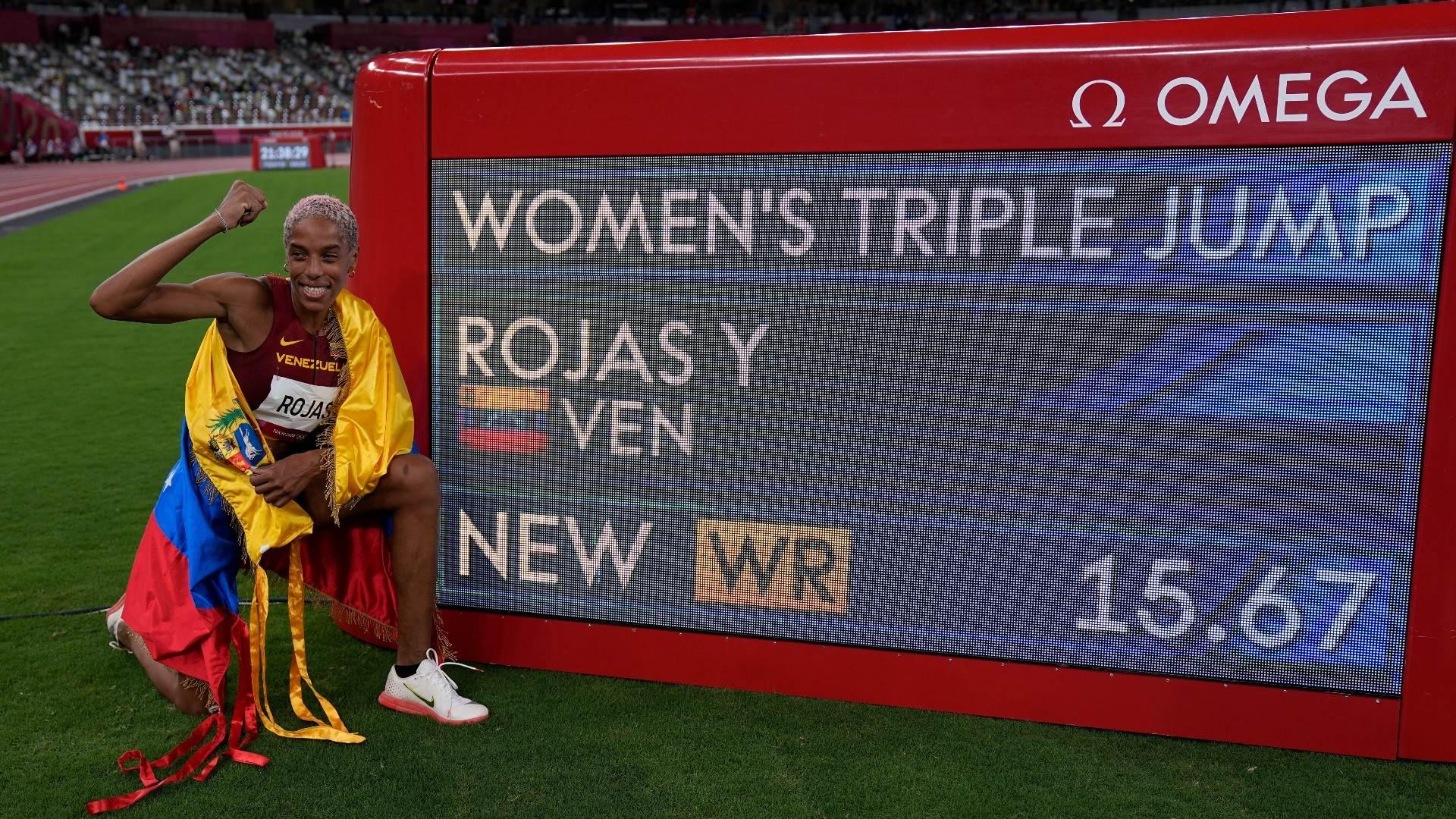 Venezuelana Yulimar Rojas quebrou recorde mundial do salto triplo, com 15,67m