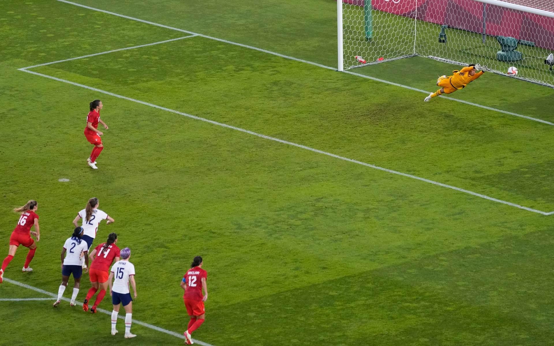 Com jogo pragmático e gol de pênalti, Canadá está na final do futebol feminino