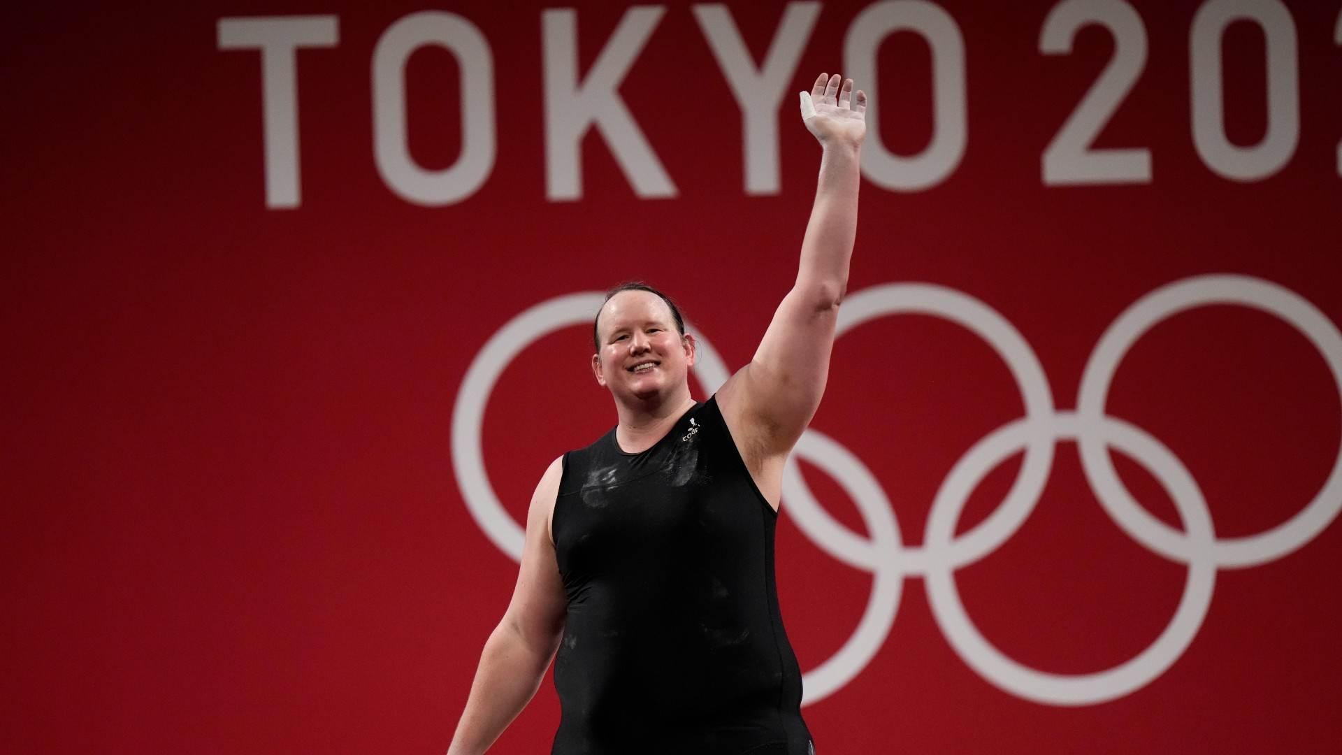 Laurel Hubbard, da Nova Zelândia, competiu no halterofilismo nos Jogos de Tóquio